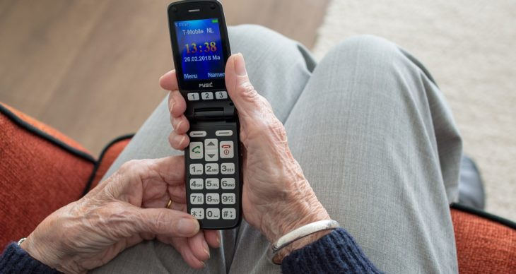 The 5 Best Cell Phones for Seniors in 2019 - FindReviews